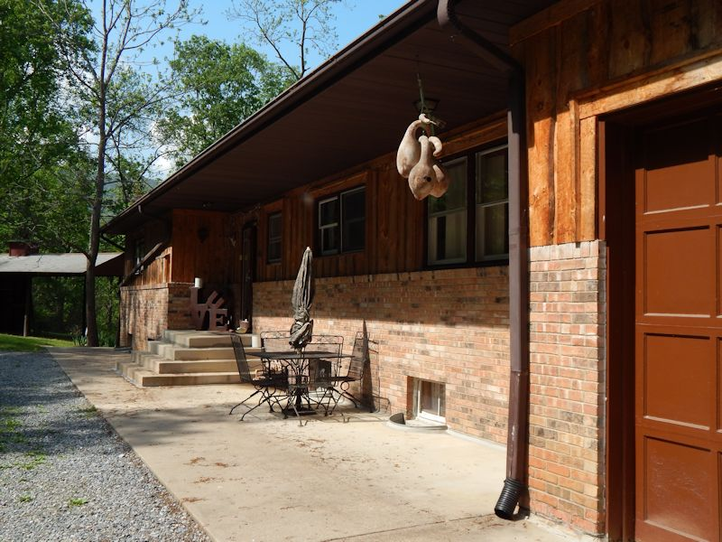 072 The Country Place Lodging Camping On The