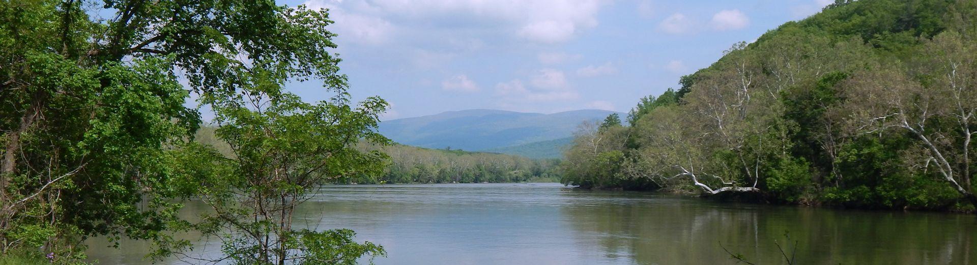 Shenandoah River View At Misty River Retreat Luray Va